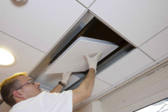 Installatie brandvertragend systeemplafond